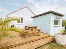 Buddleia Cottage - Isle of Wight & Hampshire - 1051305 - thumbnail photo 3