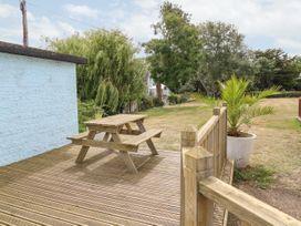 Buddleia Cottage - Isle of Wight & Hampshire - 1051305 - thumbnail photo 17
