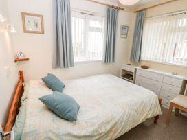 Buddleia Cottage - Isle of Wight & Hampshire - 1051305 - thumbnail photo 10
