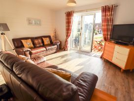 Buck Place - Whitby & North Yorkshire - 1053434 - thumbnail photo 2