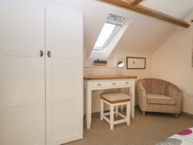 The Nest at the Round House - Somerset & Wiltshire - 1055176 - thumbnail photo 19