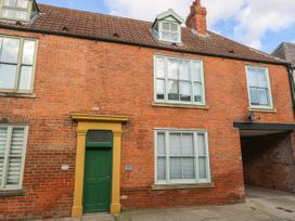 25A Beckside - Whitby & North Yorkshire - 1056337 - thumbnail photo 1