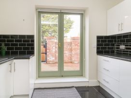 25A Beckside - Whitby & North Yorkshire - 1056337 - thumbnail photo 6