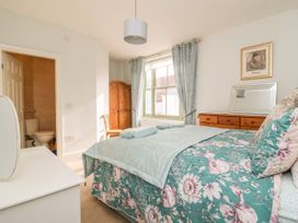 25A Beckside - Whitby & North Yorkshire - 1056337 - thumbnail photo 12