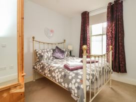 25A Beckside - Whitby & North Yorkshire - 1056337 - thumbnail photo 14