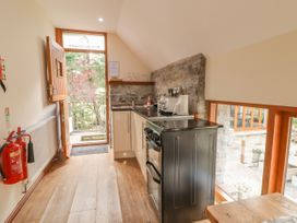 Barn Apartment 1 - South Wales - 1056457 - thumbnail photo 3