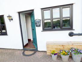 April Cottage - Herefordshire - 1056742 - thumbnail photo 2