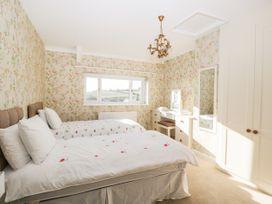 Walnut Cottage - Somerset & Wiltshire - 1057211 - thumbnail photo 24