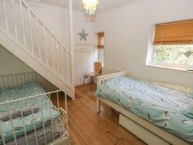2 Linden Terrace - Isle of Wight & Hampshire - 1057222 - thumbnail photo 15