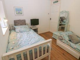 2 Linden Terrace - Isle of Wight & Hampshire - 1057222 - thumbnail photo 16