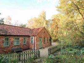 Sunny Cottage - Lincolnshire - 1058129 - thumbnail photo 34