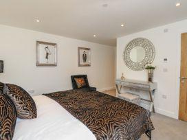 Harbourside Haven Apartment 1 - Dorset - 1059262 - thumbnail photo 12