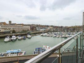 Harbourside Haven Penthouse 2 - Dorset - 1059267 - thumbnail photo 6