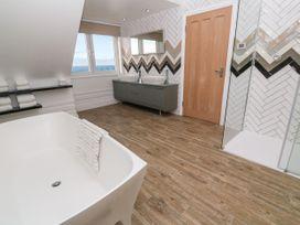 Top Floor, Gweal-an-Drea - Cornwall - 1059503 - thumbnail photo 14