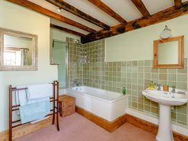 Manor Farm House 6 - Cotswolds - 1060309 - thumbnail photo 9