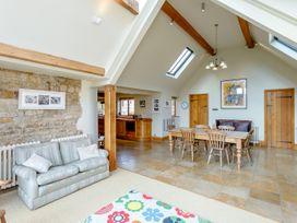 Manor Farm House 6 - Cotswolds - 1060309 - thumbnail photo 13