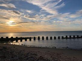 Seashore Apartment - Scottish Lowlands - 1064830 - thumbnail photo 23