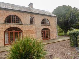 Hunter's Lodge - East Ireland - 1065127 - thumbnail photo 2
