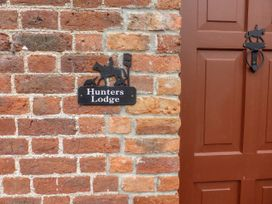 Hunter's Lodge - East Ireland - 1065127 - thumbnail photo 3