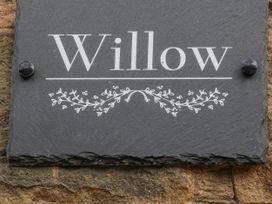 Willow - Peak District - 1066252 - thumbnail photo 2