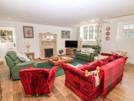 Chestnut Cottage - Peak District - 1066253 - thumbnail photo 3