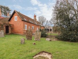 The Garden Cottage - Central England - 1066331 - thumbnail photo 10