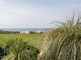 Beachview Apartment 8 - Cornwall - 1066475 - thumbnail photo 15