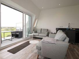 Beachview Apartment 8 - Cornwall - 1066475 - thumbnail photo 4