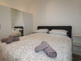Beachview Apartment 8 - Cornwall - 1066475 - thumbnail photo 9