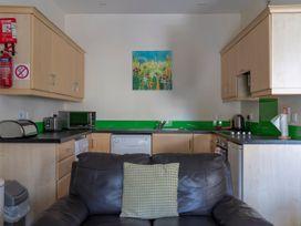 2B Cathedral View Apartments - North Ireland - 1066704 - thumbnail photo 4