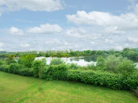 Endless sky - Cotswolds - 1067072 - thumbnail photo 16