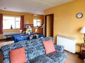 Rossbeigh Beach Cottage No 4 - County Kerry - 1067715 - thumbnail photo 2
