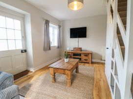 Paddock View Cottage - Lincolnshire - 1067736 - thumbnail photo 2