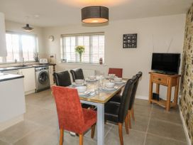 Paddock View Cottage - Lincolnshire - 1067736 - thumbnail photo 5