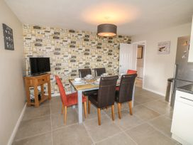 Paddock View Cottage - Lincolnshire - 1067736 - thumbnail photo 6