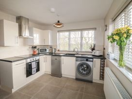 Paddock View Cottage - Lincolnshire - 1067736 - thumbnail photo 7