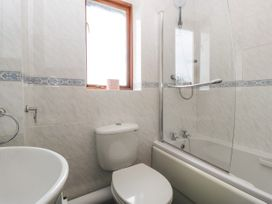 16 Mythern Meadow - Somerset & Wiltshire - 1071494 - thumbnail photo 17