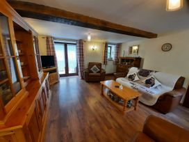 Tynllwyn Holiday Home - North Wales - 1072962 - thumbnail photo 12