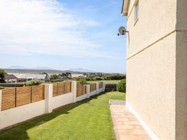 Tywod Pell - Anglesey - 1074077 - thumbnail photo 23