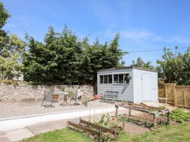 Tywod Pell - Anglesey - 1074077 - thumbnail photo 24