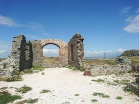 Tywod Pell - Anglesey - 1074077 - thumbnail photo 28