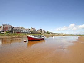 Tywod Pell - Anglesey - 1074077 - thumbnail photo 29