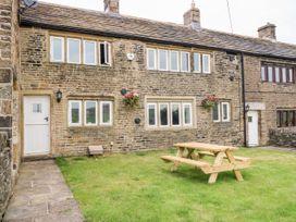 Upper House Cottage - Peak District - 1075179 - thumbnail photo 1
