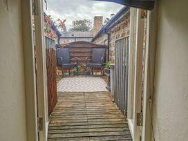 Custom House Apartment - South Wales - 1075408 - thumbnail photo 8