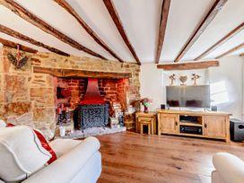 April Cottage - Cotswolds - 1076299 - thumbnail photo 3