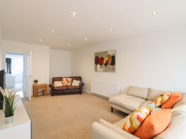 35 Seabourne Way - Kent & Sussex - 1077489 - thumbnail photo 2