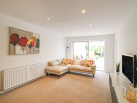 35 Seabourne Way - Kent & Sussex - 1077489 - thumbnail photo 3