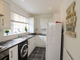 35 Seabourne Way - Kent & Sussex - 1077489 - thumbnail photo 7