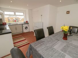 Coach House Cottage - Whitby & North Yorkshire - 1078550 - thumbnail photo 7