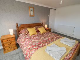 Coach House Cottage - Whitby & North Yorkshire - 1078550 - thumbnail photo 13